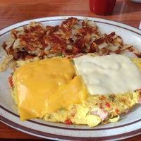 Photo taken at Mega Tom's Burgers by Garrett I. on 3/17/2013