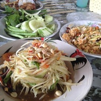 Photo taken at ส้มตำ ร.พ.ช. by kugolf2004 on 10/12/2012