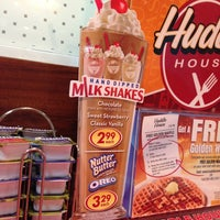 Photo taken at Huddle House by Wesley W. on 8/24/2013