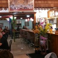 Photo taken at Thai Thai by Mr. L. on 7/29/2014