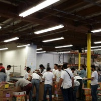 Photo taken at Los Angeles Regional Foodbank by Eng.BoJwees♍️ on 3/31/2014
