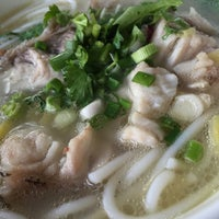 Photo taken at Yeng Kee Noodle House by Johnson L. on 3/15/2016