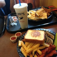 Photo taken at Zaxby's Chicken Fingers & Buffalo Wings by Midnite P. on 7/16/2013