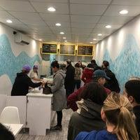 1/22/2017 tarihinde Ben W.ziyaretçi tarafından Soft Swerve Ice Cream'de çekilen fotoğraf