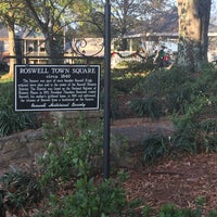 Photo taken at Historic Roswell Town Square by Steve O. on 11/28/2015