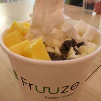 Photo taken at Fruuze Frozen Yogurt by Christine on 7/7/2016