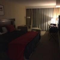 Photo taken at Howard Johnson Hotel La Cañada by Xavier N. on 2/1/2016