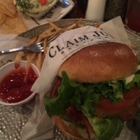 Photo taken at Claim Jumper by Lamont D. on 11/6/2015