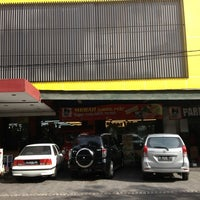 Photo taken at Super Indo by Andri R. on 7/4/2013