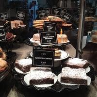 Photo taken at Corner Bakery Cafe by Lea J. on 10/26/2011