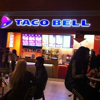 Photo taken at Taco Bell by duckemon01 on 3/28/2012
