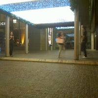 Photo taken at Juicy Couture by Sy8 H. on 12/17/2011