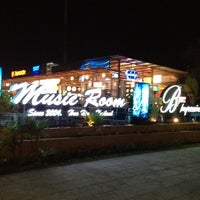 Photo taken at Music Room Hua Hin by NarachAn C. on 4/4/2012