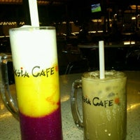 Photo taken at Asia Cafe by Mohd Zamrizal Z. on 3/5/2012