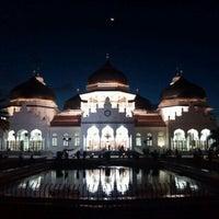 Photo taken at Masjid Raya Baiturrahman by Muchlis R. on 5/22/2012