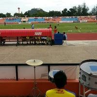 Photo taken at สนามกีฬากลางจังหวัดประจวบคีรีขันธ์ by Natawuth B. on 7/28/2013