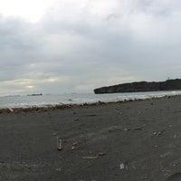 Photo taken at 旗津海水浴場 Cijin Beach by Asu I. on 9/30/2016