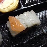 Foto tomada en SushiClub por Denise S. el 3/22/2014