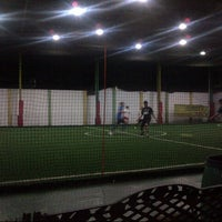 Photo taken at De Futsal by Santoso k. on 5/28/2013