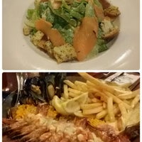 Photo taken at Fish & Co.™ by Eni A. on 10/24/2015