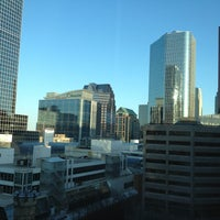 Photo taken at Toronto Marriott Downtown Eaton Centre Hotel by Romain on 5/1/2013