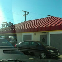 Photo taken at Original Tommy's Hamburgers by Maria on 8/18/2013