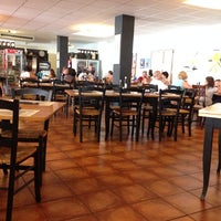 Photo taken at Imperial Pizzeria by Luis C. on 7/27/2014