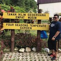 Photo taken at Rumah 4 Musim, Taman Pertanian Malaysia by RAZZ MANN on 11/20/2016