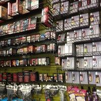 Foto tomada en Game Over Videogames por Mando el 7/4/2014