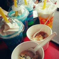 Photo taken at KFC by Fitri W. on 5/19/2014
