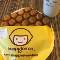 Photo taken at Happy Lemon by Marithes Joy T. on 6/12/2016