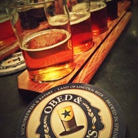 Photo prise au Obed & Isaac's Microbrewery and Eatery par Matt G. le12/27/2012