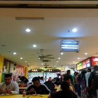 Photo taken at Restoran Hameed's by Khair A. on 1/25/2013