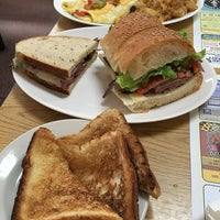 Photo taken at Franks Deli & Restaurant by pdh on 9/15/2016
