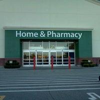 Photo taken at Walmart Supercenter by Lamont N. on 9/15/2013