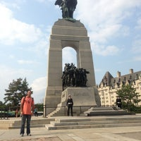 Photo taken at Cenotaph and Tomb of the Unknown Soldier by Enmanuel R. on 8/22/2013