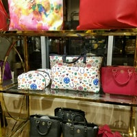 Photo taken at Tory Burch - Outlet by Winni P. on 11/26/2016