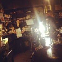 Photo taken at Ye Olde Cheshire Cheese by Yoony33 on 11/14/2013