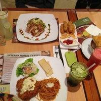 Photo taken at Tamani Kafe by Eda N. on 8/18/2013