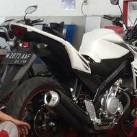 Photo taken at Yamaha Devina Motor by F Ari Wibowo on 8/9/2014