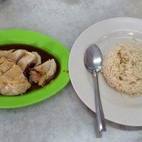 Photo taken at Kedai Nasi Ayam Tim Kee by SN T. on 6/22/2014