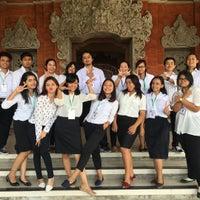 Photo taken at Rektorat Universitas Udayana by Kartika S. on 6/28/2016