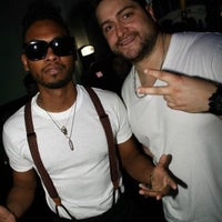 Photo taken at ICONS Sports Lounge & Grille by Fito G. on 3/13/2012