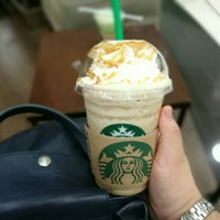 Photo taken at Starbucks by Daowny T. on 7/18/2016