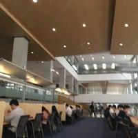 Photo taken at Yonsei University Samsung Library by SEEFAH🐣 on 9/12/2016