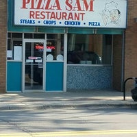 Photo taken at Pizza Sam's by Brian Z. on 7/19/2016