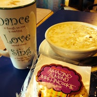 Photo taken at Campus Coffee Bean by Loki_of_Mars on 4/30/2014