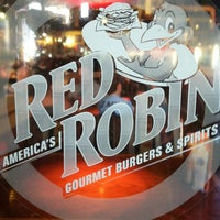 Photo taken at Red Robin Gourmet Burgers by David C. on 8/24/2013