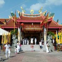 Photo taken at ศาลเจ้าจุ้ยตุ่ยเต้าโบ้เก้ง (Jui Tui Shrine) 水碓斗母宮 by saharat n. on 10/20/2012