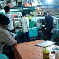 Photo taken at Nasi Goreng Pak Arif by Zoya P. on 10/11/2013